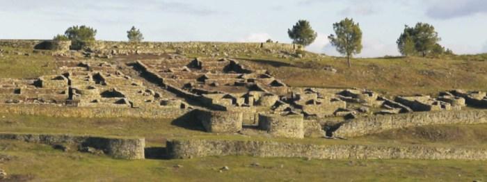 Castro de San Cibrán de Las / terraarqueos.com