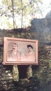 Fotografía dun dos propietarios das casas da illa de Cortegada