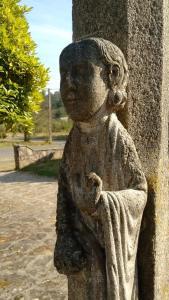 Unha das esculturas do coro pétreo da catedral de Santiago, obra do taller do Mestre Mateo / Elixio Vieites