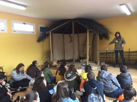 Actividades no Dolmen / foto Concello de Cabana de Bergantiños