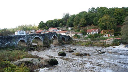 Está en perigo a ponte de Ponte Maceira?
