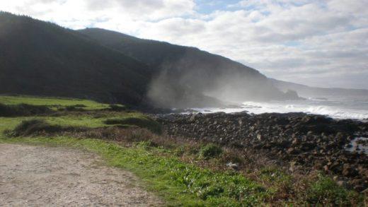 Atopan 12 maravedís do século XVII nunha praia de Muxía