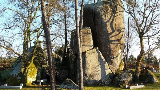 É posible que sexa un menhir a Pedra Longa de Tordoia ou é só unha formación natural?