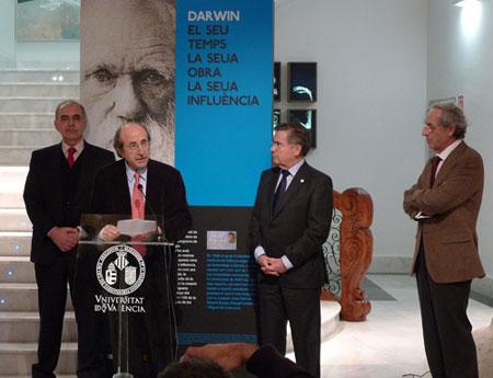 Inauguración exposición sobre Darwin