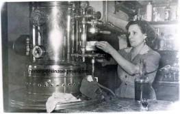 a-lorenza-no-cafe-ideal-en-1957