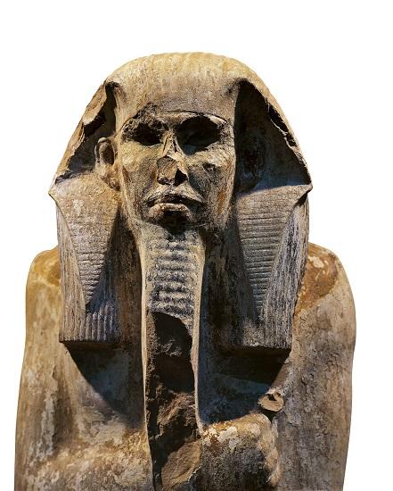 Estatua del faraón Djoser hallada en la capilla del patio del Serdab