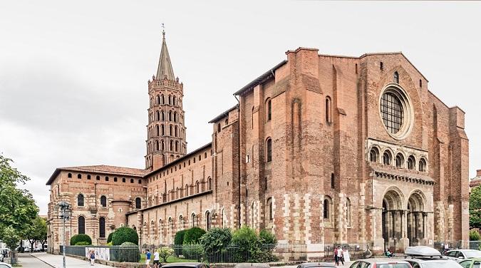 Basílica de Saint-Sernin de Tolosa, construida en el siglo XII, en tiempos de los cátaros
