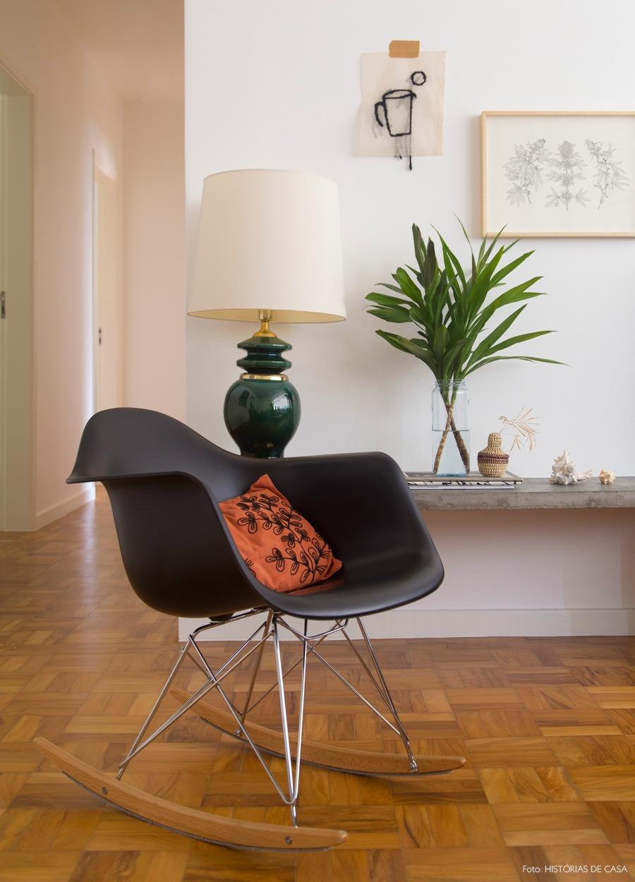 05-decoracao-sala-estar-eames-cadeira