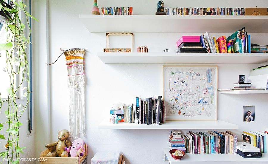 35-decoracao-estante-prateleiras-branco