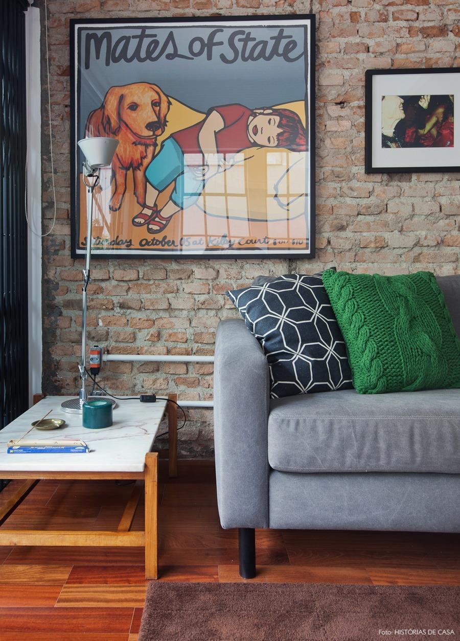 03-decoracao-sala-tijolo-quadros