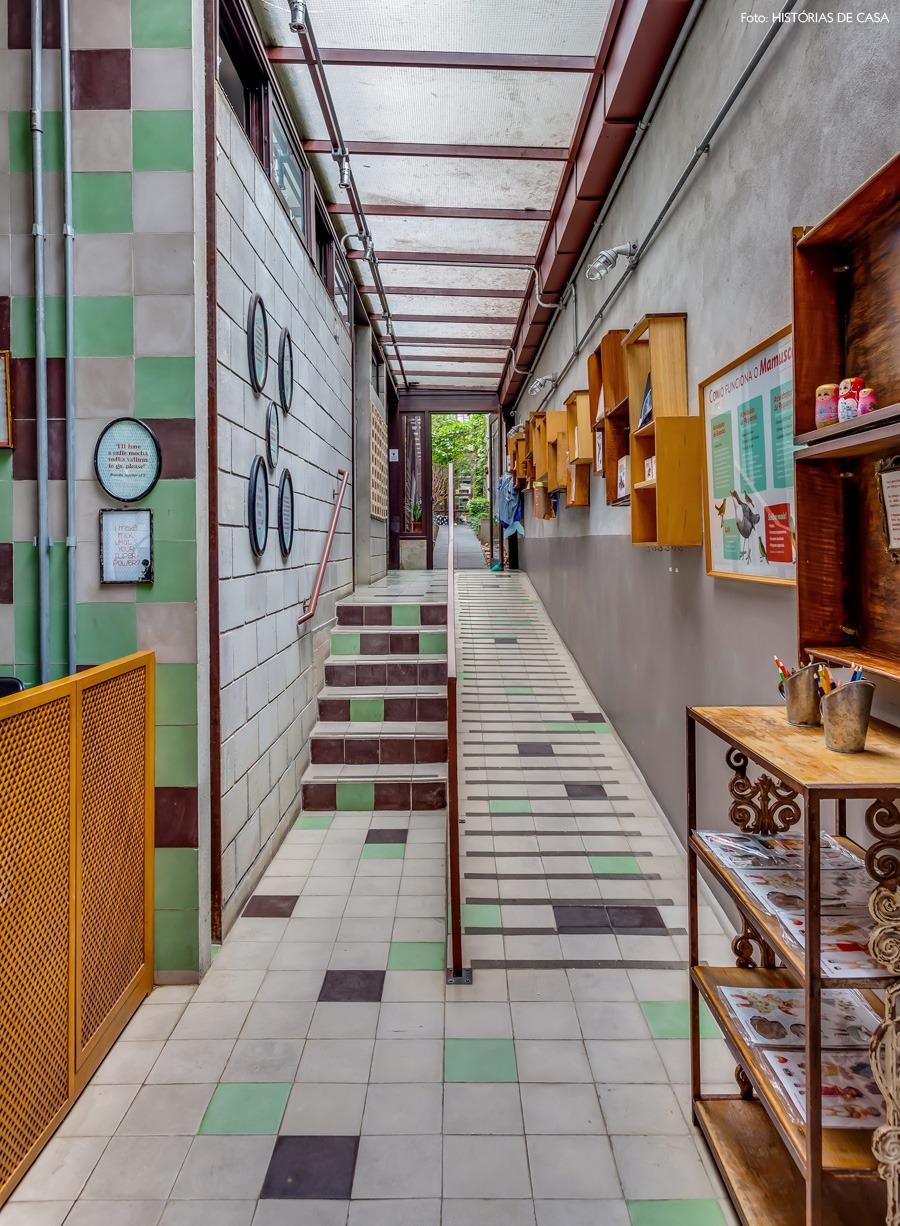 10-decoracao-ladrilho-colorido-concreto