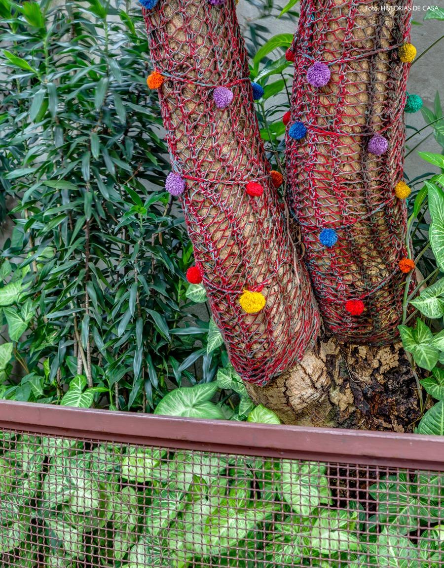 19-decoracao-arvore-cores-pompom