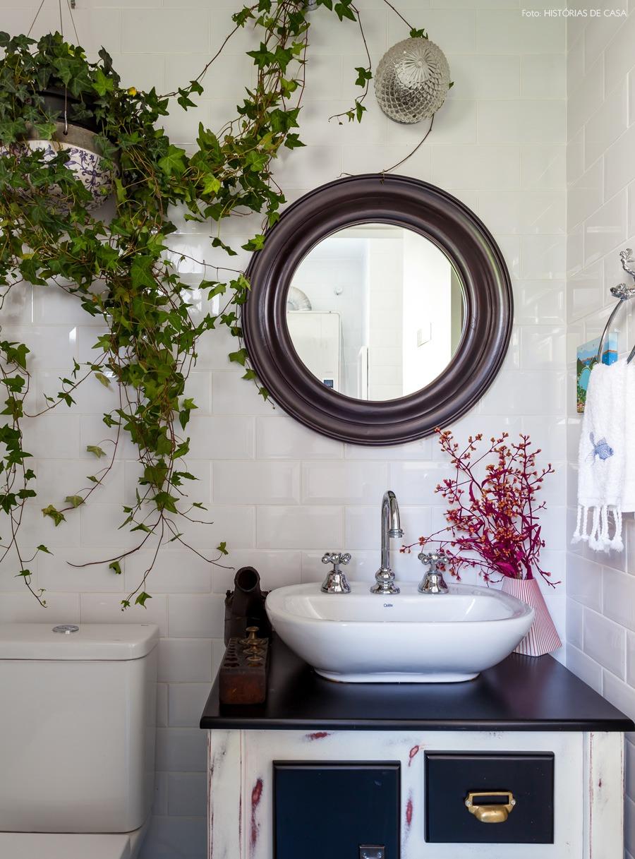 32-decoracao-lavabo-azulejo-branco-planta