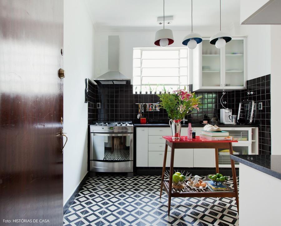 15-decoracao-cozinha-vintage-preto-branco