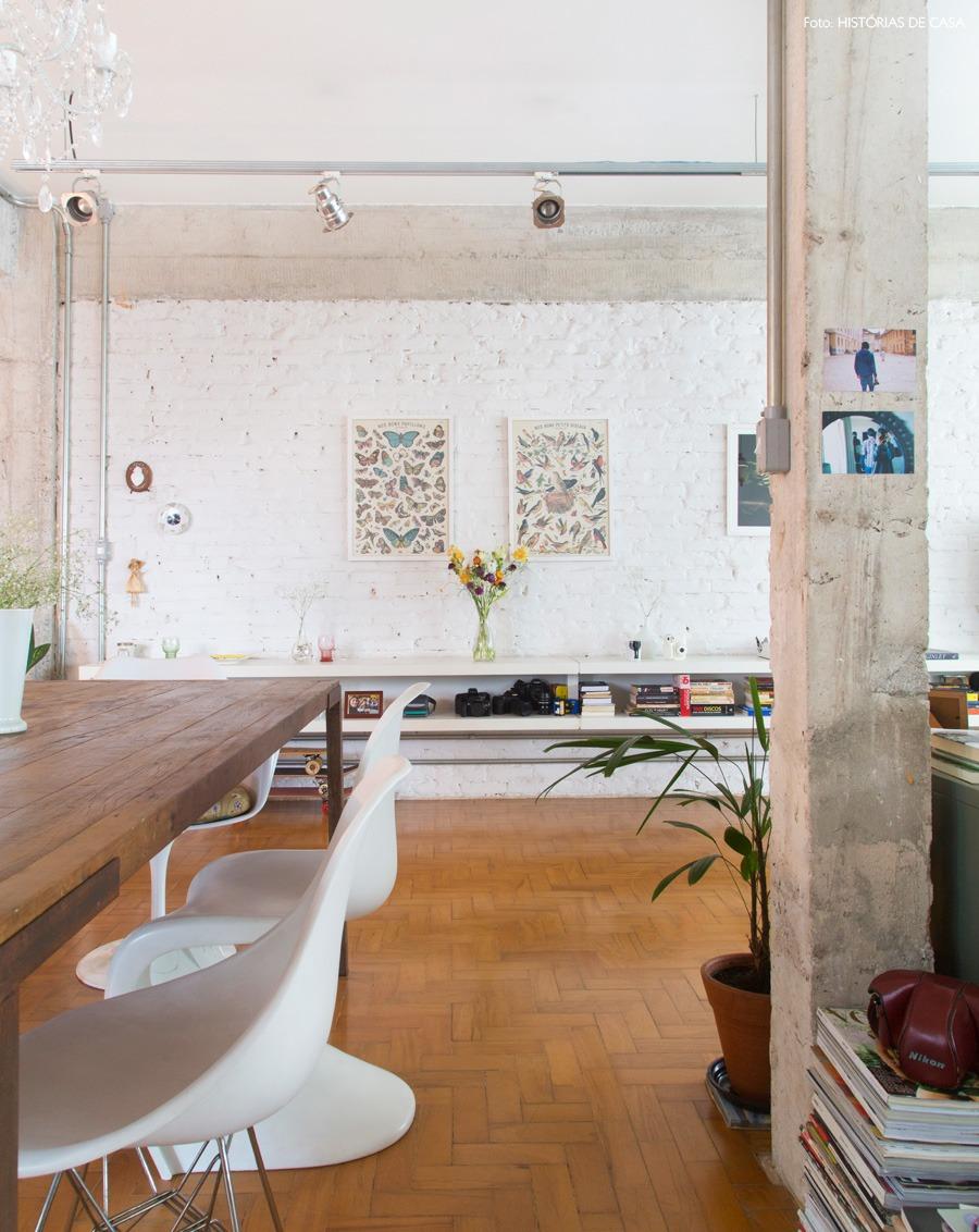 10-decoracao-tijolinho-branco-prateleira-suspensa-mesa-jantar