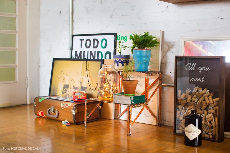 14-decoracao-tijolinho-quadros-plantas-vintage
