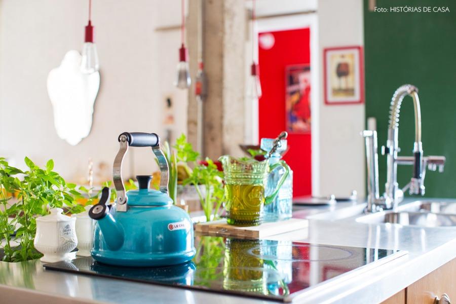 26-decoracao-cozinha-aberta-bancada-nicho-temperos