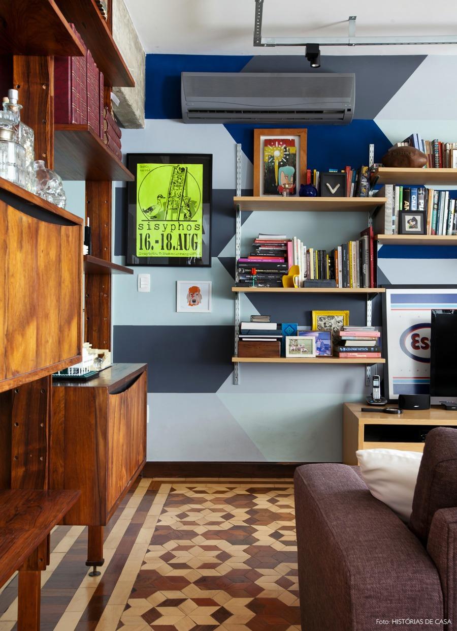 26-decoracao-sala-estar-parede-pintura-split-ar-condicionado-camuflado