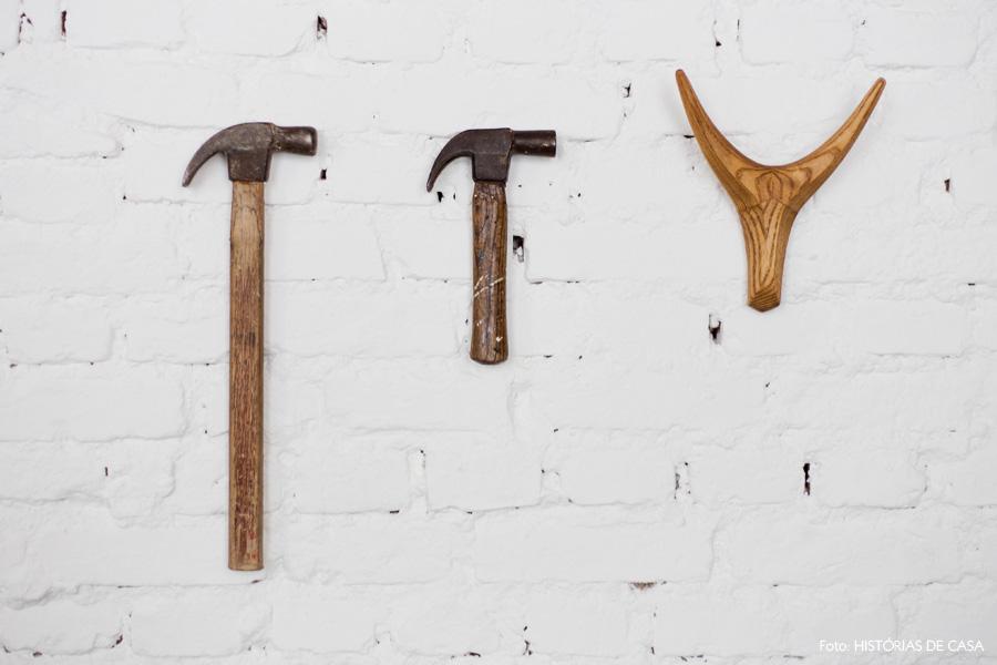 06-decoracao-parede-tijolinho-branco-martelo-antigo