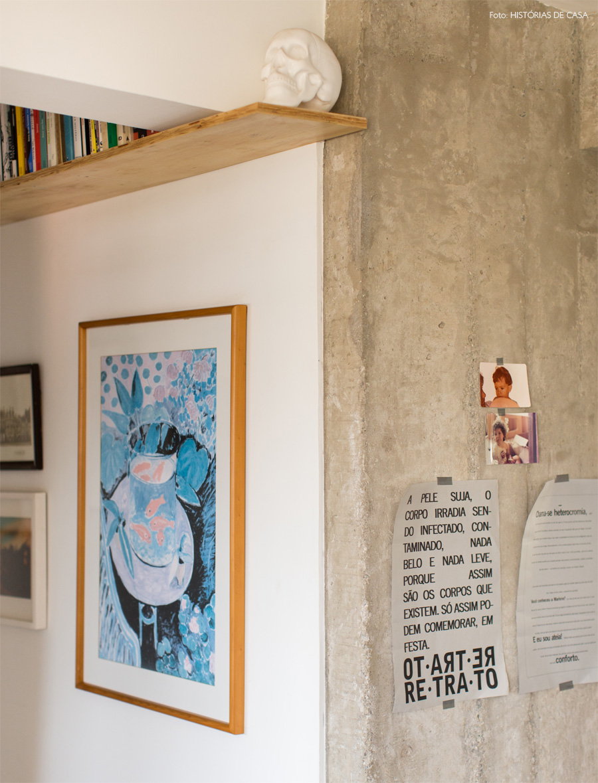 15-decoracao-corredor-parede-concreto-aparente-quadros
