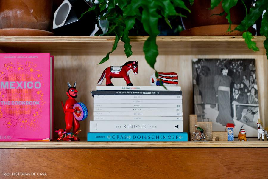 24-decoracao-sala-estar-estante-plantas
