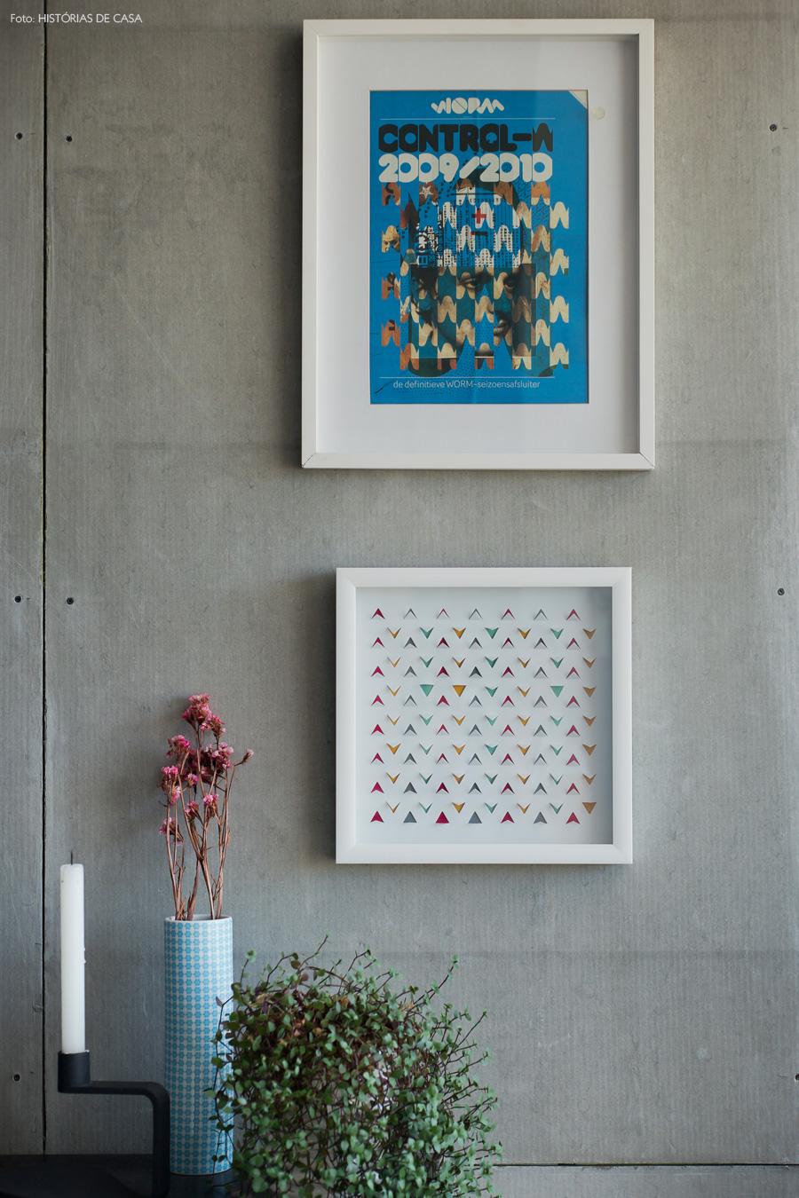 30-decoracao-parece-concreto-quadros-coloridos-flores