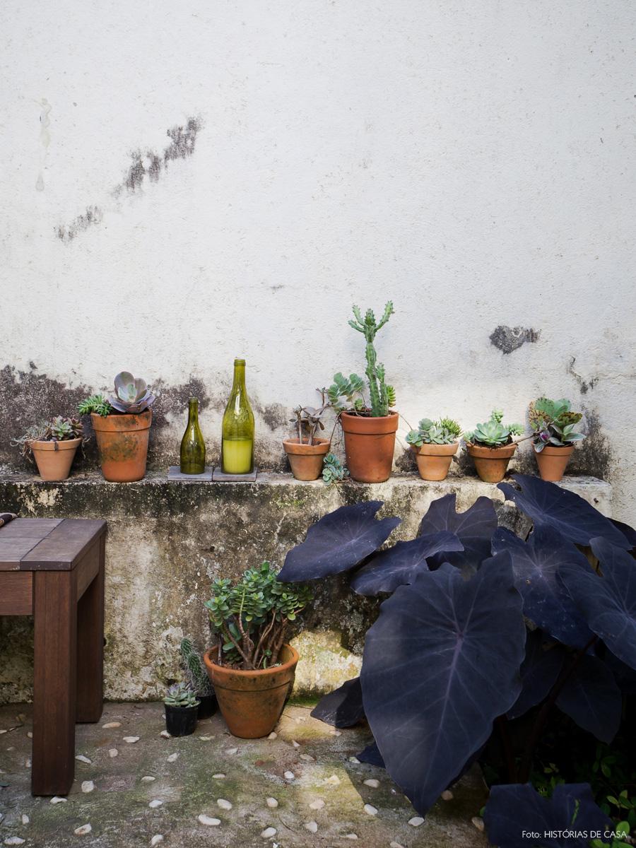 27-decoracao-casa-jardim-quintal-mureta-vasos-suculentas