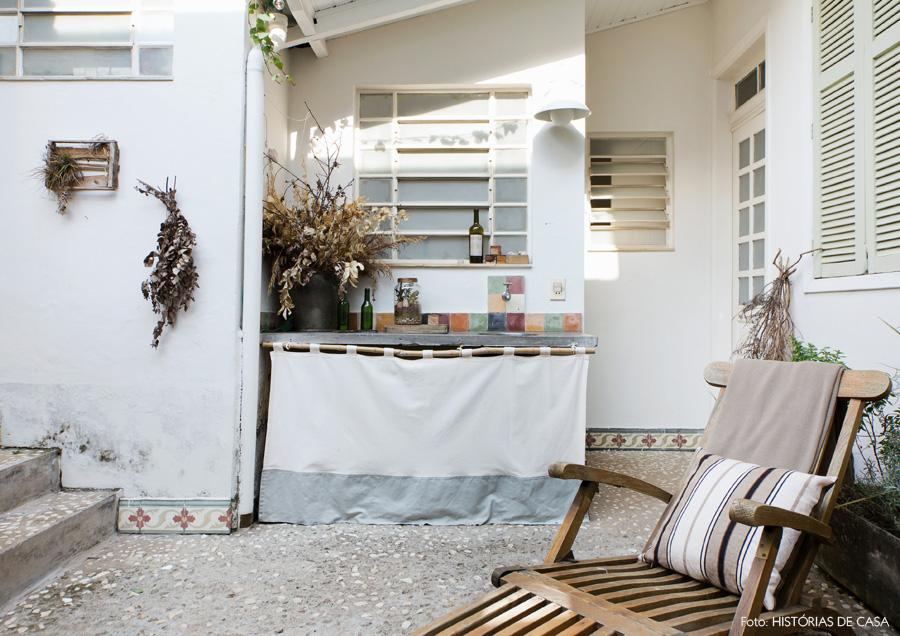 29-decoracao-casa-area-externa-cimento-madeira-demolicao