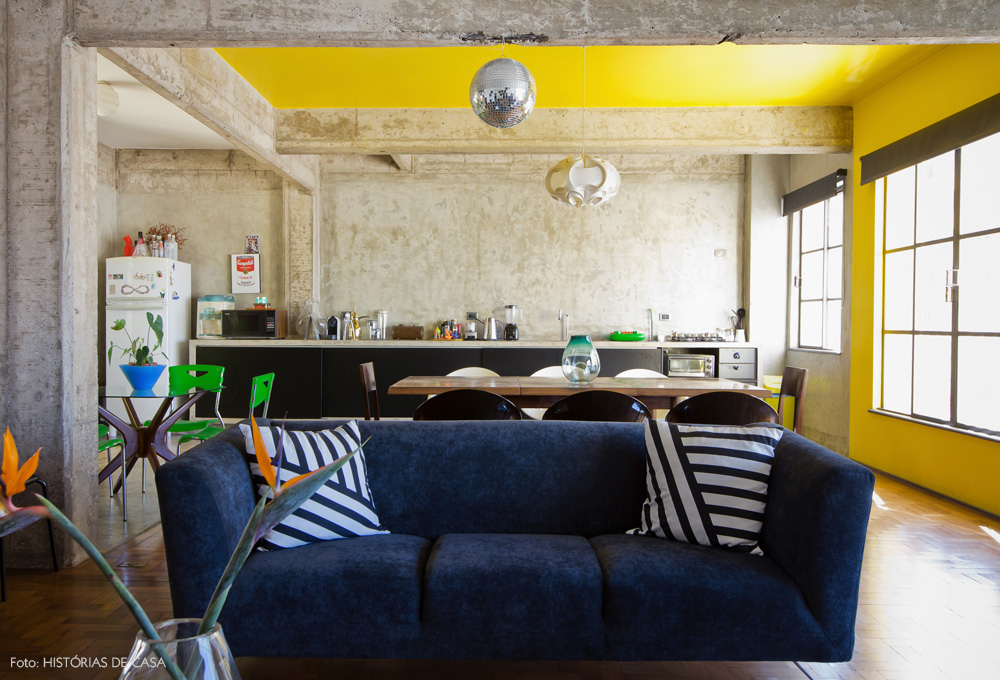 09-decoracao-apartamento-sala-jantar-concreto-amarelo