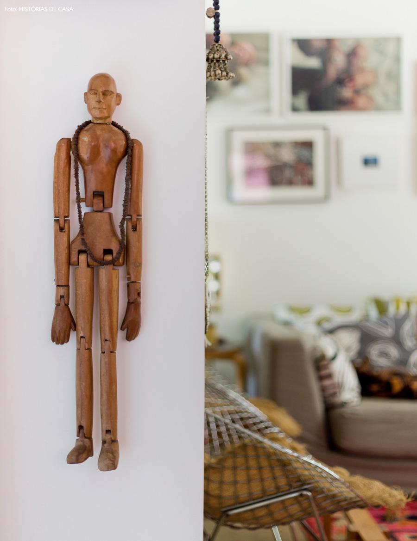 20-decoracao-historias-de-casa-detalhes-boneco-madeira