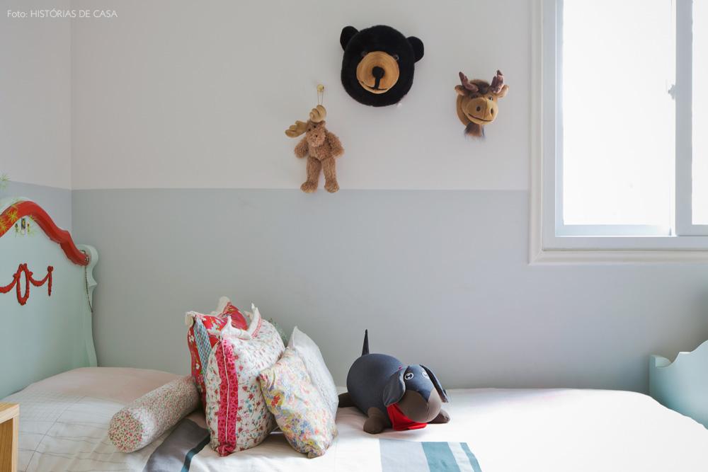 42-decoracao-quarto-menina-verde-menta-cama-antiga