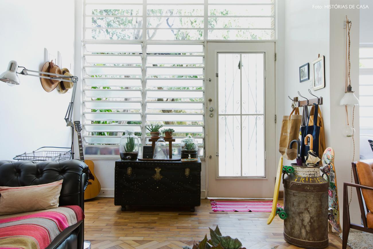 02-decoracao-casa-de-vila-fachada-janelas-antigas-vidraca