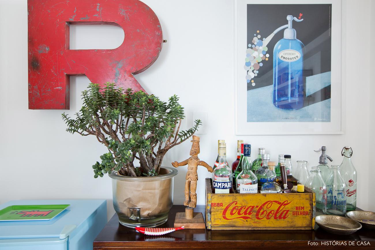 16-decoracao-sala-jantar-frigobar-movel-vintage-bar
