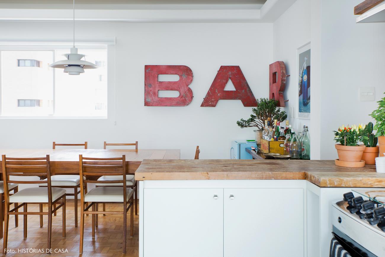 25-decoracao-cozinha-aberta-para-sala-jantar-madeira-vintage