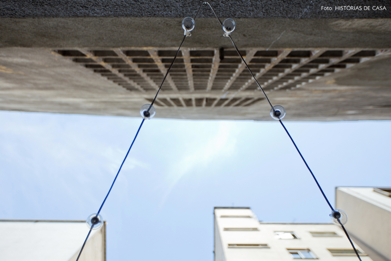 15-decoracao-terraco-varanda-de-apartamento-fio-luzes