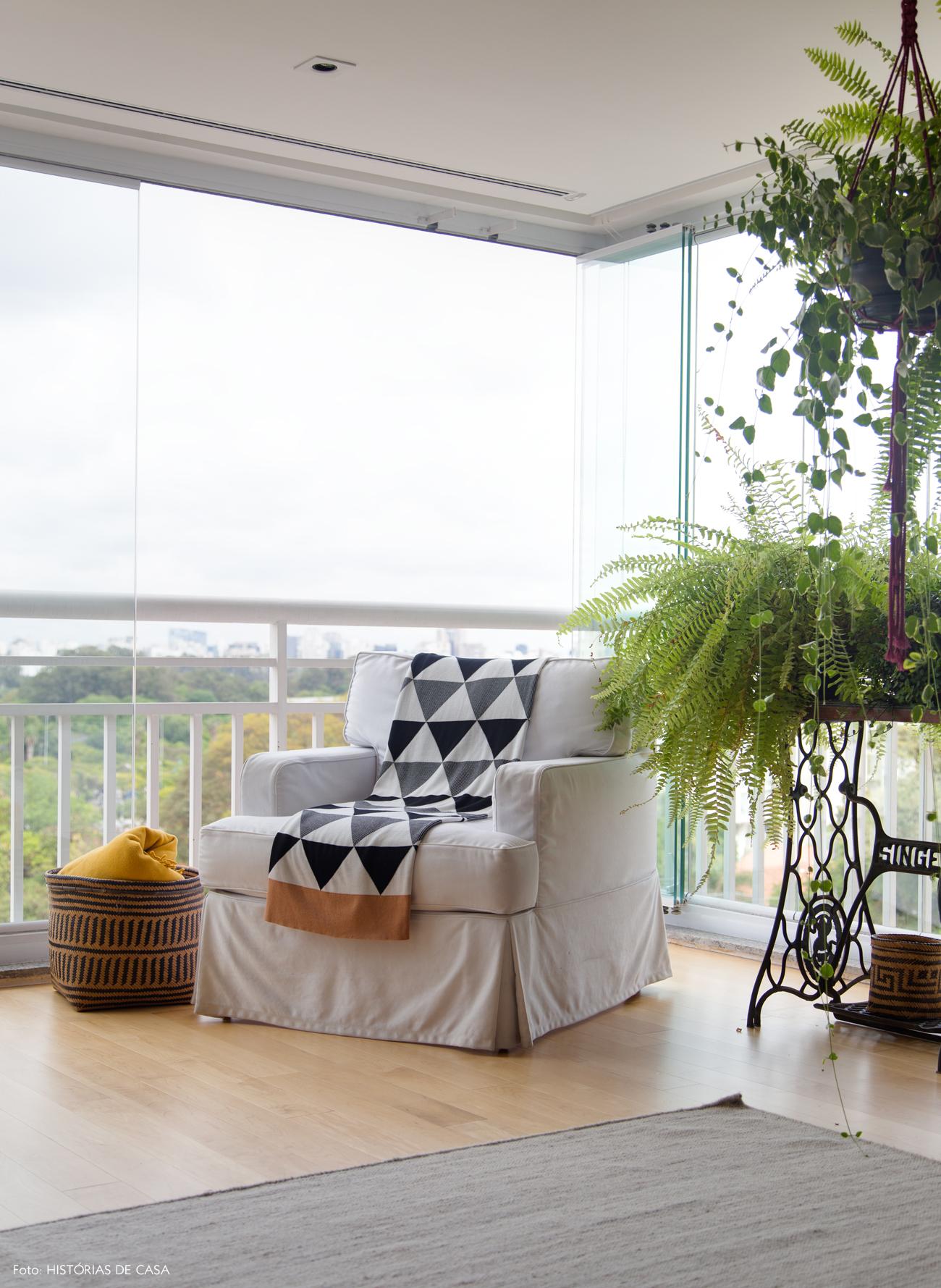 16-decoracao-apartamento-varanda-integrada-plantas-jardim-interno