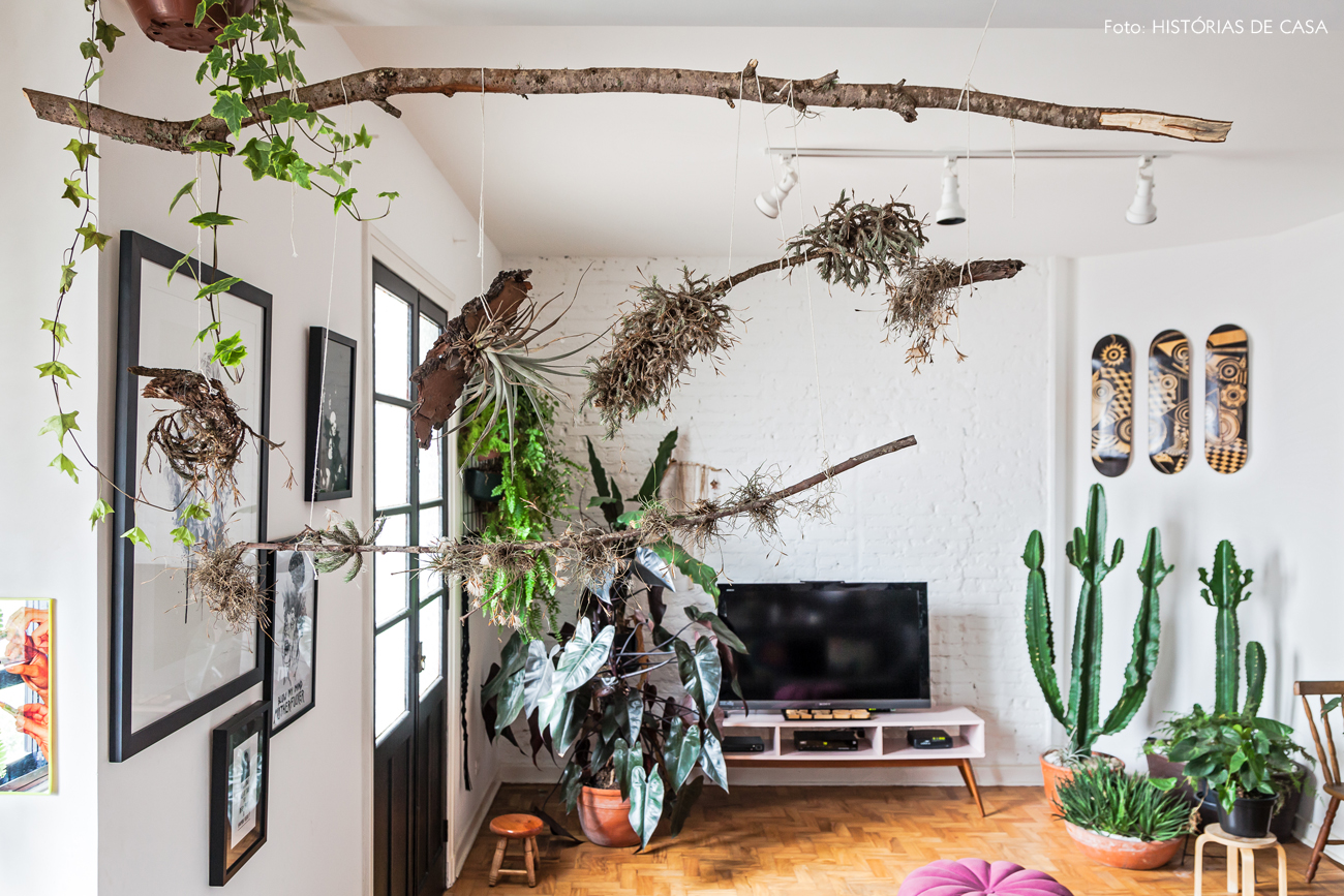 18-decoracao-sala-integrada-estilo-industrial-muitas-plantas