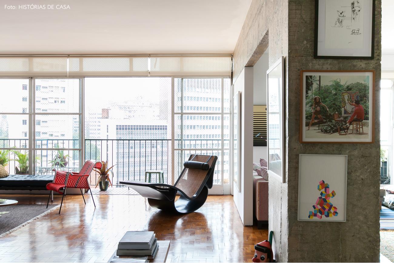 04-decoracao-sala-integrada-pilar-concreto-design-brasileiro