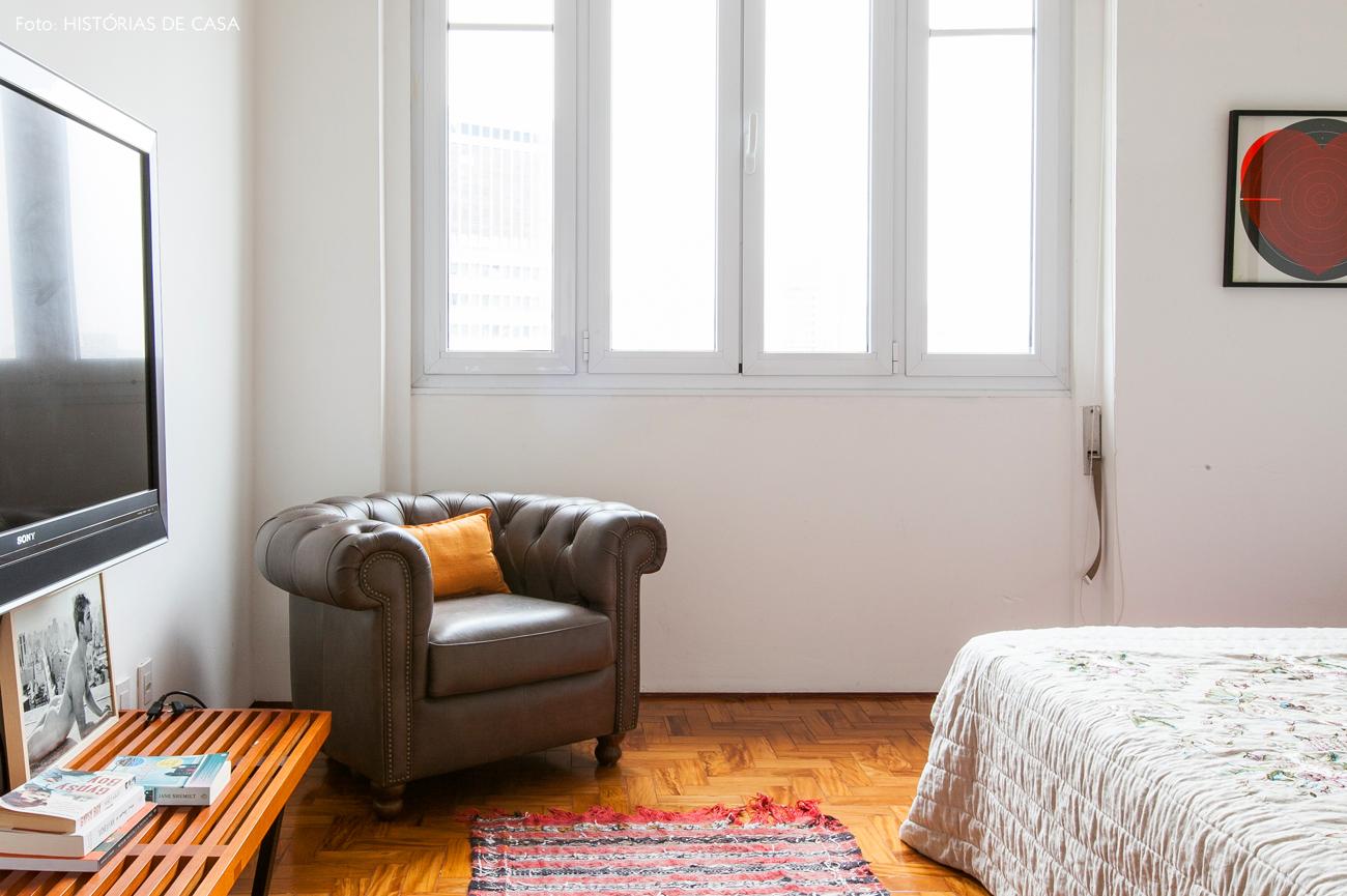 33-decoracao-apartamento-quarto-branco-banco-como-rack