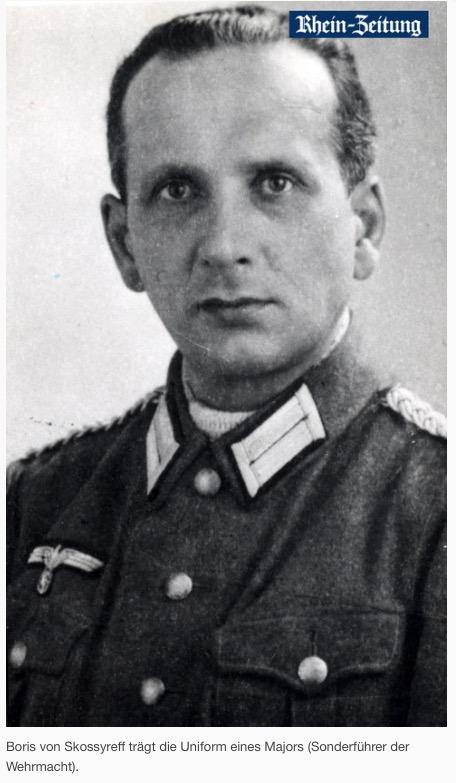 Boris con uniforme de la Wehrmacht