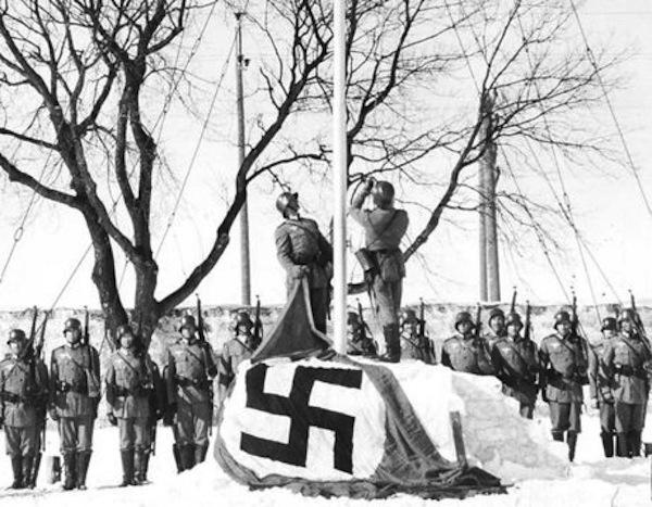 Bandera nazi en Winnipeg