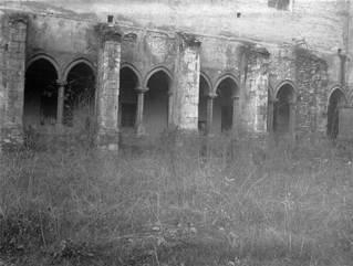 detalle-de-una-crujia-del-claustro-gotico-del-desaparecido-convento-de-san-francisco-vitoria-gasteiz