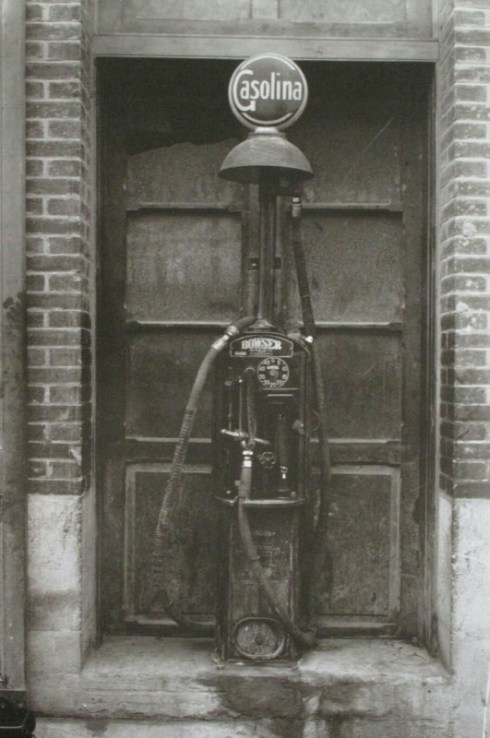 surtidor-gasolina-en-1925-ceferino-yanguas-20101