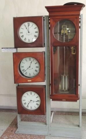 Reloj Maestro y Subsidiarios