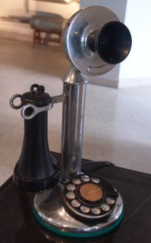 Teléfono automático principios Siglo XX (Archivo Museo ETECSA)