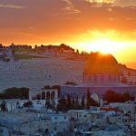 Año 70, Tito logra conquistar Jerusalén y destruye y saquea el Templo