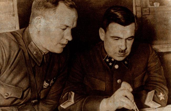 Командующий армией генерал-лейтенант артиллерии Л. А. Говоров и член Военного совета армии бригадный комиссар П. Ф. Иванов