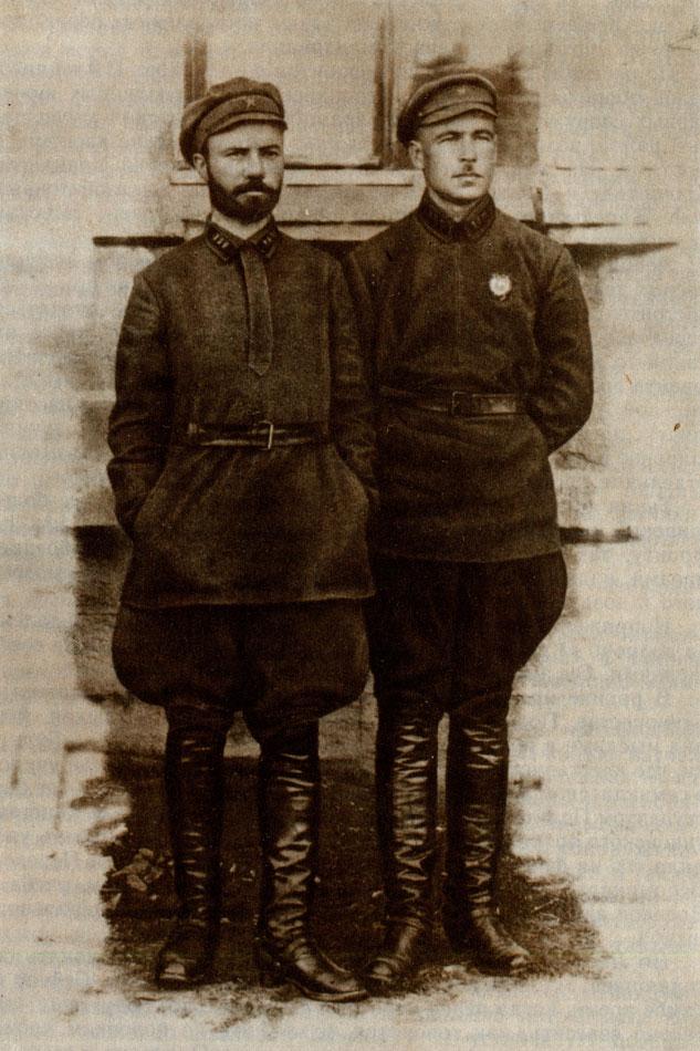Л. А. Говоров и комиссар полка Брикульс. Одесса. 1925 г.