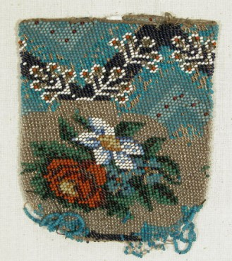 Beaded purse 1830 - 40, Snowshill Collection