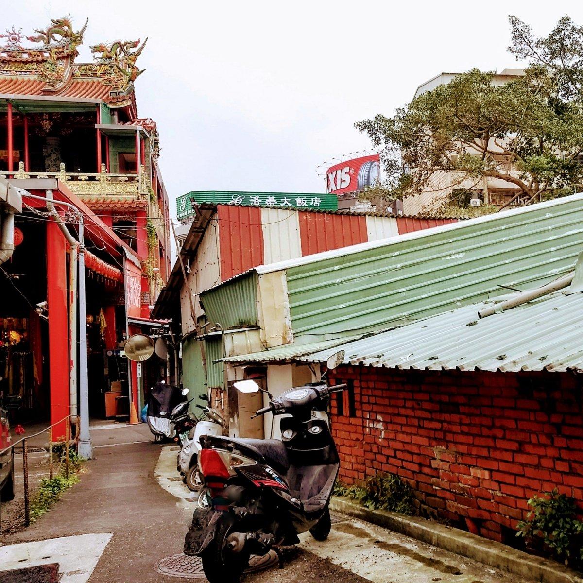 從松江路一側撞入老台北